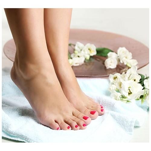 Forfait beauté des pieds + pose vernis semi-permanent